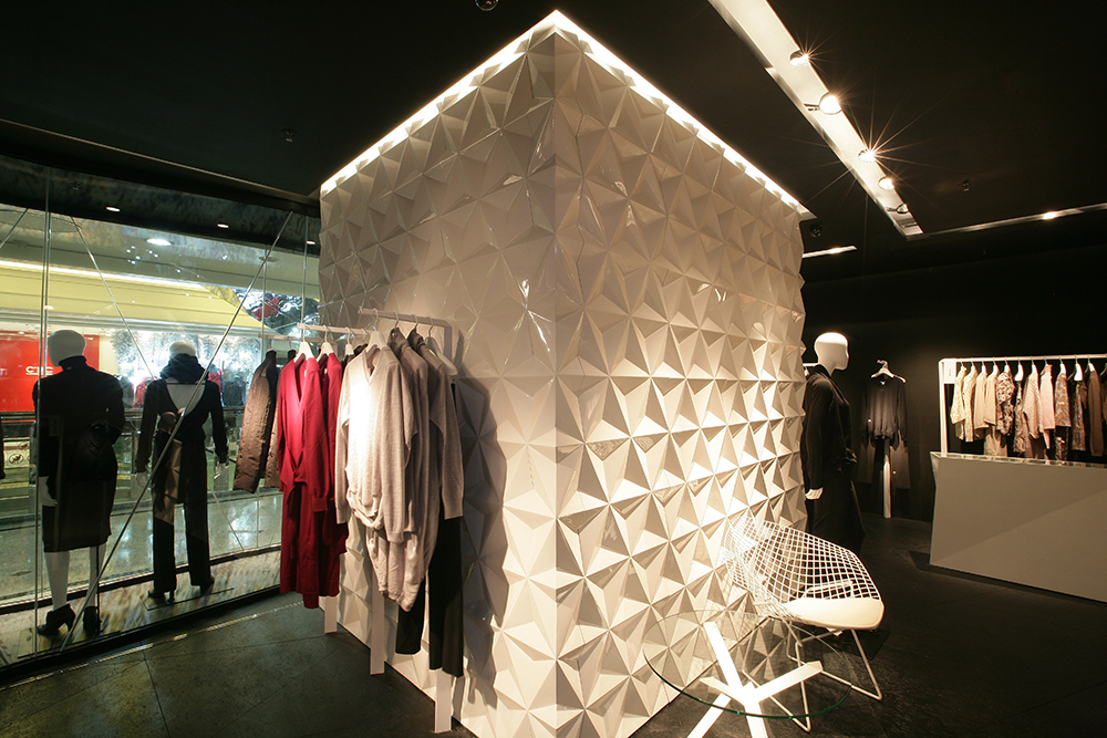 I.T ORIGAMI TIMES SQUARE sean dix retail interior design