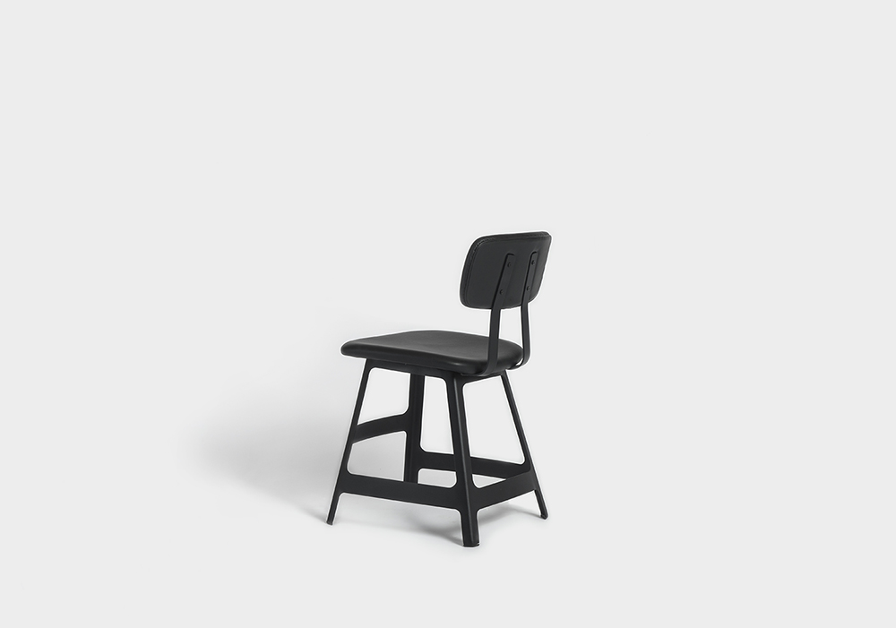 Yardbird chair Sean Dix furniture design