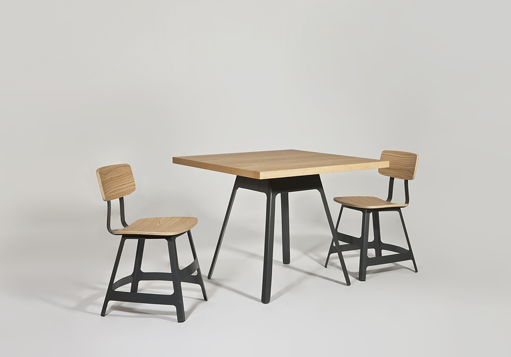 Yardbird table and chairs Sean Dix furniture design