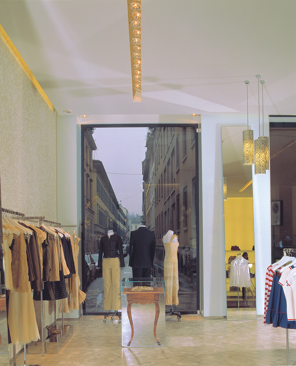CHEAP&CHIC MILAN SEAN DIX retail interior design