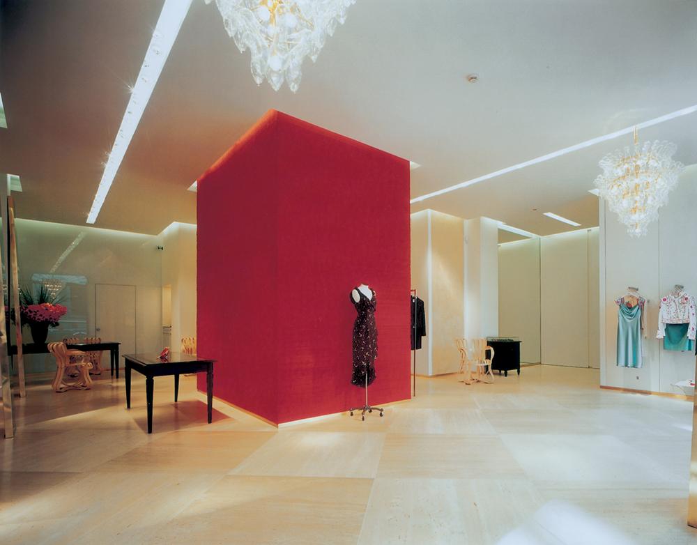 MOSCHINO SANT ANDREA MILAN retail interior design SEAN DIX