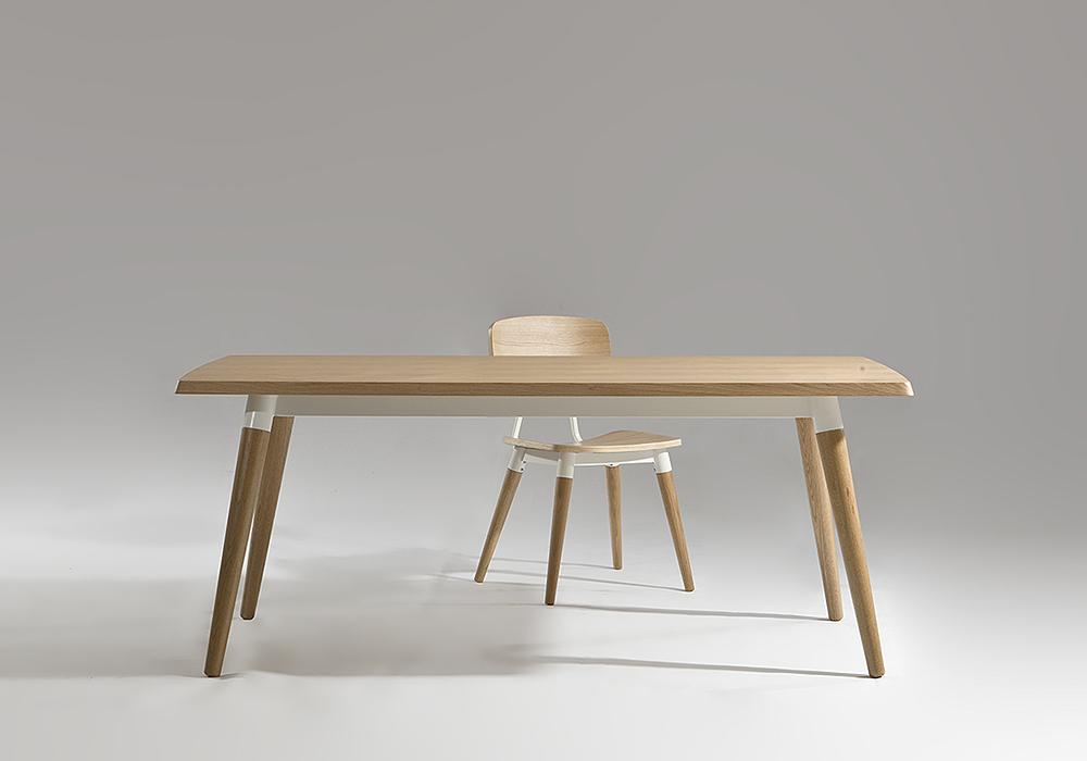 copine table and chair Sean Dix furniture design