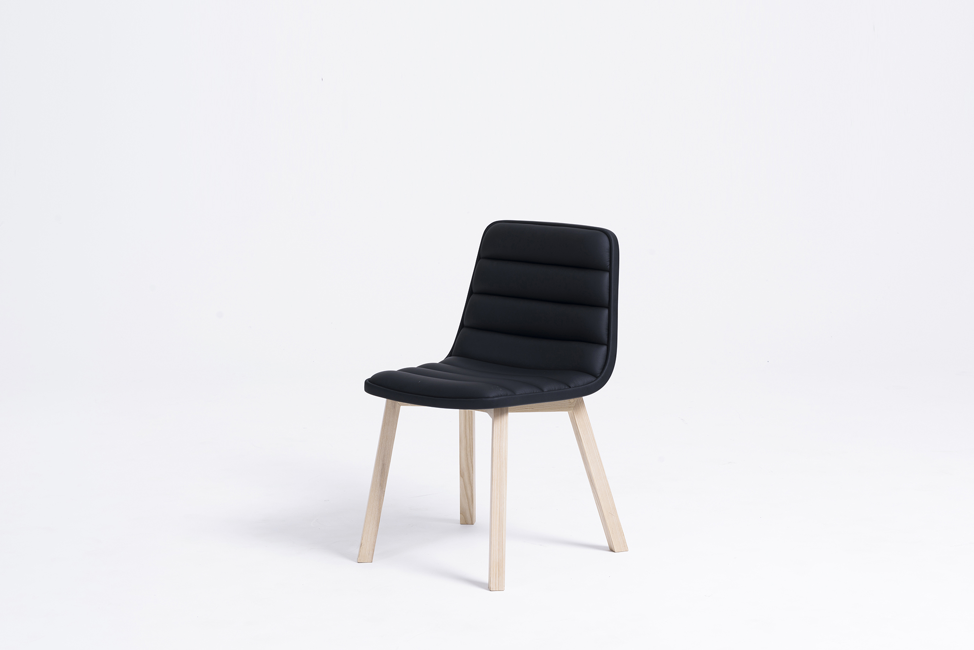 Sean Dix design Ronin Wood Leg Chair
