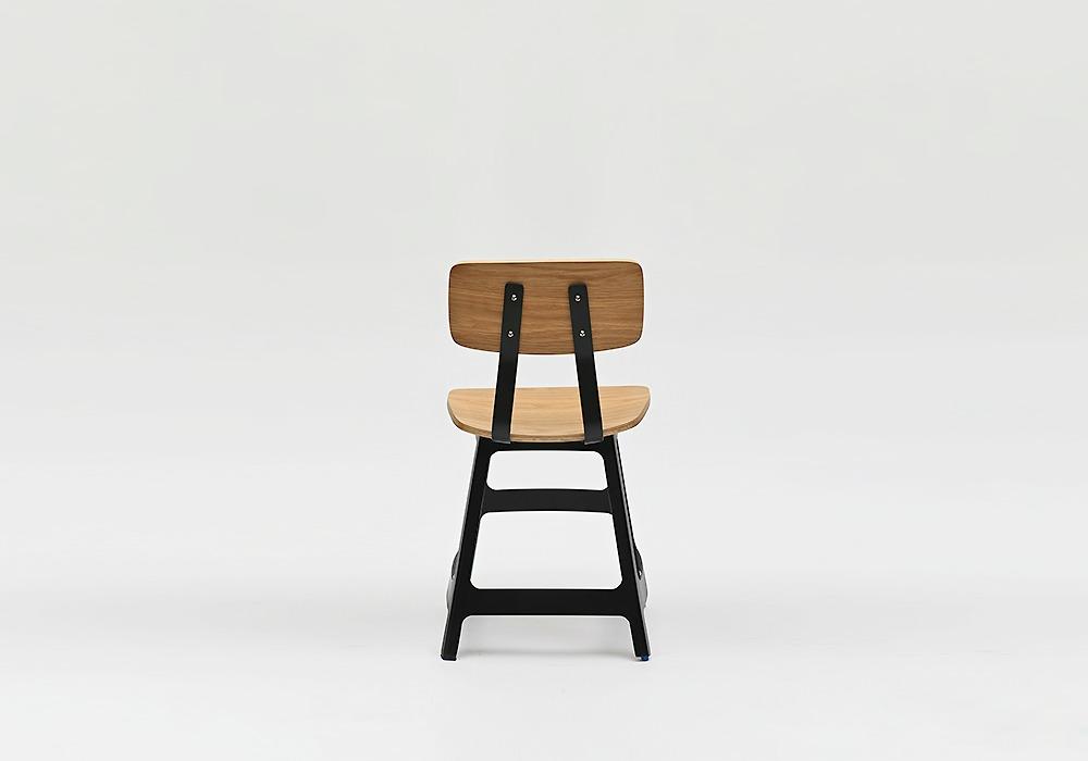 Yardbird Chair Oak Black_Designed by Sean Dix