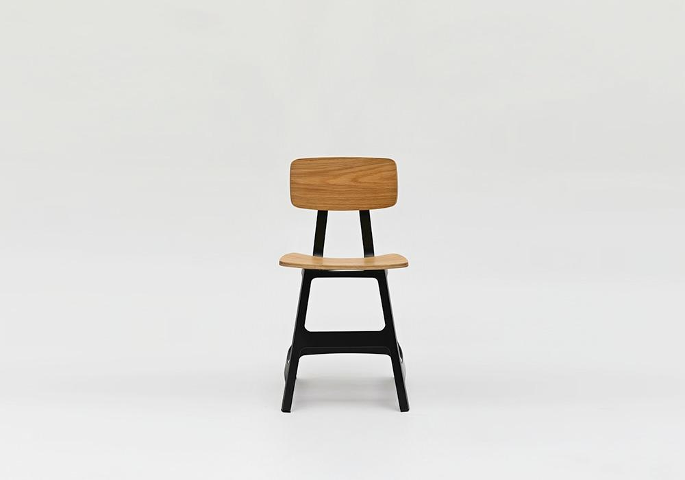 Yardbird Chair Oak Black_Designed by Sean Dix_2