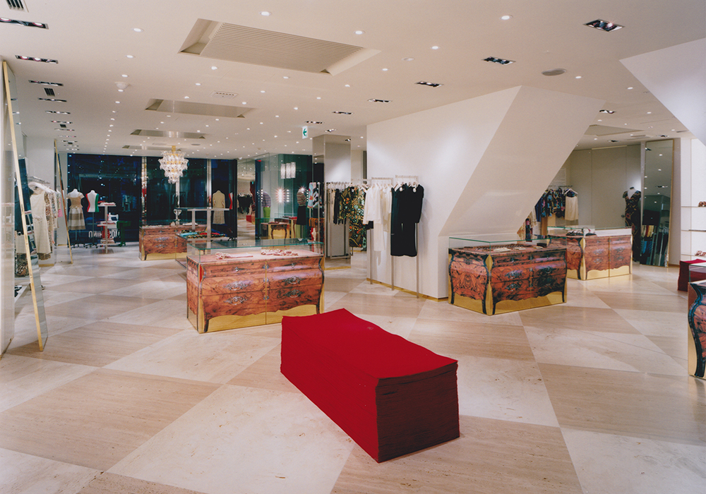 Moschino Tokyo Aoyama_Interior Design by Sean Dix